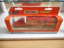 """Matchbox  Convoy Kenworth T2000 + Trailer """"Fruit Loops"""" in Red in Box"""