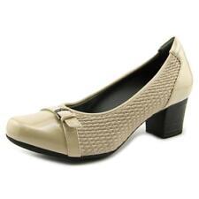 Zapatos de tacón de mujer de tacón medio (2,5-7,5 cm) de color principal crema sintético