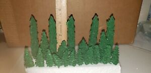 Plasticville -American Flyer & S Scale , 20 Trees & Shrubs,  Very Good Condition