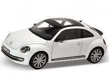 WELLY 2012 VOLKSWAGEN NEW BEETLE WHITE 1/18 DIECAST MODEL CAR 18042