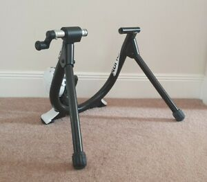 Minoura B60-D Bicycle Turbo Trainer. Used in Excellent Condition.