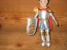 The Puppet Company doigt chevalier bouclier Cape Rouge 7 in (environ 17.78 cm) Tall Ajouter à d'autres séries
