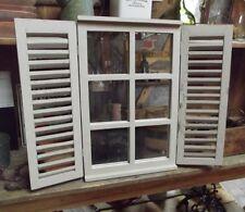 Fenêtre Jeu avec portes en stratifié ancien Shabby maison de style rustique