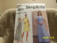 Simplicity 7176 Easy To Sew Misses Jumper and Top