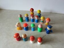Vintage 17 Mixed Lot Of Fisher Price Little People & Other Little Figurines