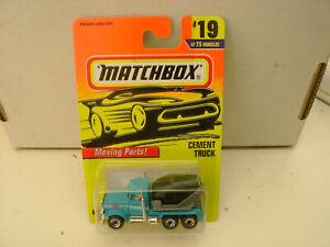 1996 MATCHBOX SUPERFAST #19 BLUE PETERBILT CEMENT TRUCK BLACK BARREL NEW ON CARD