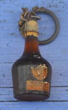 Porte-clé des années 1960-70, Bénédictine bouteille rouge