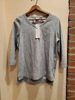Chicos Zenergy Size 1 Womens Grey Reversible Print Sweater Tshirt 3/4 Sleeve