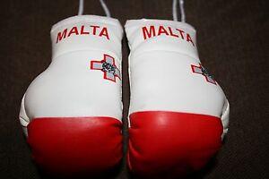 MALTA / MALTESE FLAG Mini Boxing Gloves Ornament *BRAND NEW*