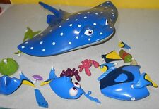 Finding Dory Mr. 00004000  Ray 3 n 1 Swigglefish Manta Ray Stores Put Together Toys Inside