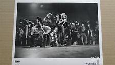 (X39)US-Pressefoto SING - Lorraine Bracco, Peter Dobson, Jessica Steen 12