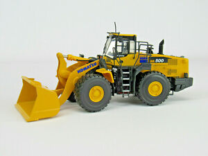 1:50 First Gear Komatsu WA500 Wheel Loader Rubber Tire