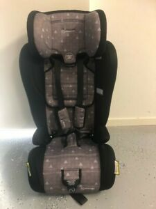 Infasecure car seat 6 month to 8 years in very good condition