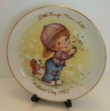 1982 Avon Mothers Day Decorator Plate Little Things Mean Alot gold rim boy dog