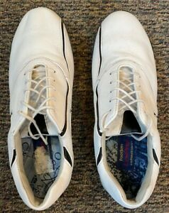 Ladies FootJoy LoPro Collection Golf Shoes size 8M, white with black accent