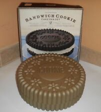 WILLIAMS-SONOMA Sandwich Cookie Cake Pan Set 2 Pc. Round Mold