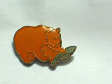Brown Bear Pin Badge Grizzly Bear Fishing Pin  Vintage