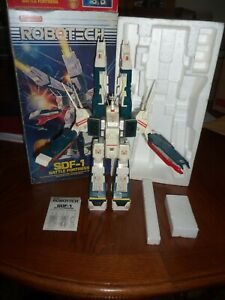 Matchbox Robotech Macross SDF-1 Battle Fortress 1984 With Manual and Box RARE