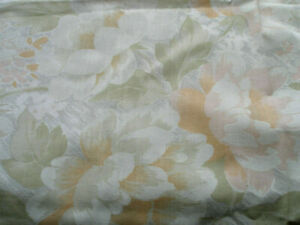 Orange Pale w Pastel Green Joblot Floral Fabric Remnant Patchwork Quilting Craft
