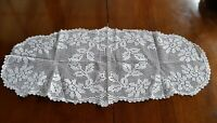 Antique 1940's Handmade White Filet Lace Doily tablecloth Centrepiece Runner 85c