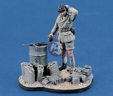 Verlinden 1/35 German DAK Afrika Korps AFV Commander WWII Vignette (w/Base) 1272