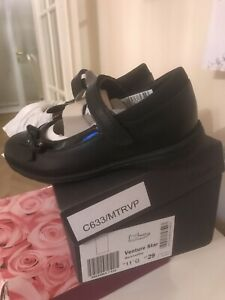 clarks girls school shoes Uk 11 G Width Black