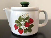 Vintage 1960s White Green McCoy Pottery Strawberry Lidded Teapot #1418