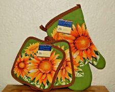 New listing Oven Mitt and Pot Holders Set Teacher Gifts Sunflowers
