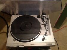 Technics SL-D2 Direct Drive Automatic Turntable Record Player W/ Hard Cover MINT