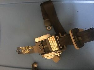 2002 2003 2004 INFINITI I35 REAR SEAT BELTS