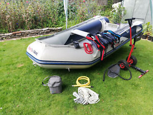 Honwave 3.2m T32 IE Inflatable Boat & Mercury 5HP Outboard Package