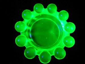 Green Vaseline glass candlewick pattern salt cellar candle votive holder uranium