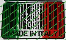 ABARTH FIAT 500 MADE IN ITALY CODICE A BARRE COMPLETA Bandiera Adesivo con 595 Auto Paraurti Finestra