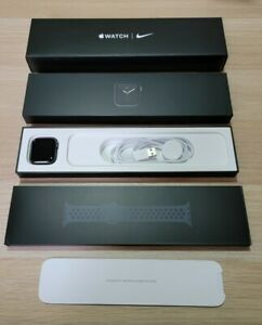 Apple Watch Series 6 Nike - 40mm - GPS - Grey - 2022 Apple Warranty! (VATINC)