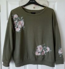 NEW LOOK floral embroidered jumper size 14 would also fit a 16
