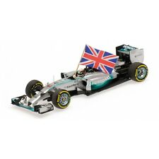 Minichamps 1:43 2014 Lewis Hamilton + Flag World Champion Abu Dhabi GP 410140544