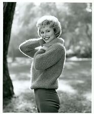 ABBY DALTON PRETTY SMILING ANGORA SWEATER PORTRAIT HENESSEY 1963 CBS TV PHOTO