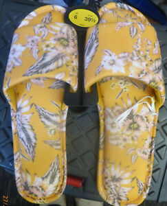 MARKS & SPENCER LADIES SLIPPERS SIZE 6 NEW RRP £7.50