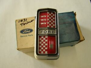 NOS OEM Ford 1971 Torino + Ranchero Grille Ornament Emblem 4 Hideaway Headlights