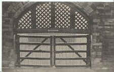 London Postcard - The Traitor's Gate - Tower of London   ZZ617