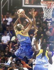 Elena Delle Donne Chicago Sky Signed 8x10 Photo Psa/Dna
