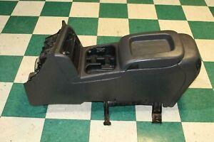 03-07 SIERRA Crew Dark Gray Pewter Floor Center Console Storage Armrest