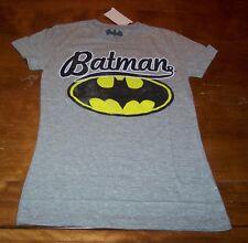 WOMEN'S TEEN VINTAGE STYLE  BATMAN DC COMICS T-shirt SMALL NEW w/ TAG