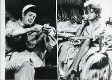 """Actrice Simone Signoret et Jean-Paul Belmondo dans """"Dragées au Poivre"""", 1963, vi"""