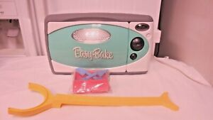 2009 Hasbro Easy Bake Child's or Toy Oven, Accessories, Box