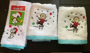 3 Peanuts Charlie Brown Snoopy Holiday Skating Christmas Hand Fingertip Towel