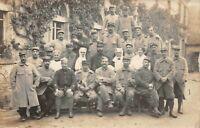 Guerre 1914 - groupe de soldats et infirmière