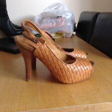 Tan Bride Arrière Haut Chaussures Taille 38 jamais porté Lena Milos