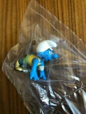 Schleich~Smurf Sprinter/Runner/Olympics w/ Gold Shoes~Figure~New in Package