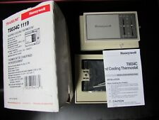 Honeywell T8034C 1119 Heating Cooling Thermostat with Wallplate New Celsius